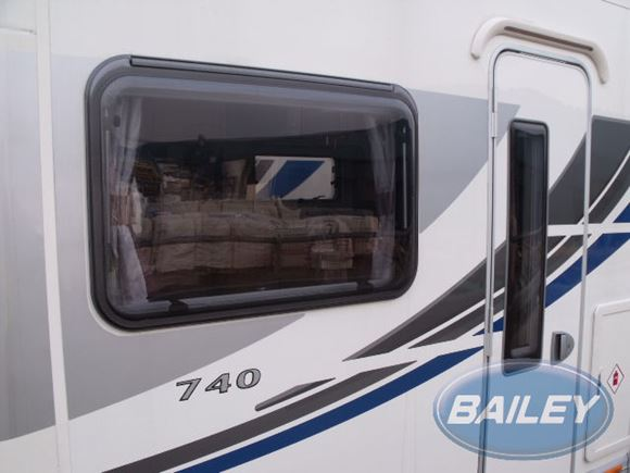 Approach 760SE N/S Silver Cab Linking Decal product image