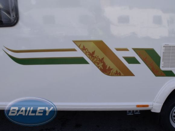Retreat O/S Rear Gold & Green Large Main Decal product image