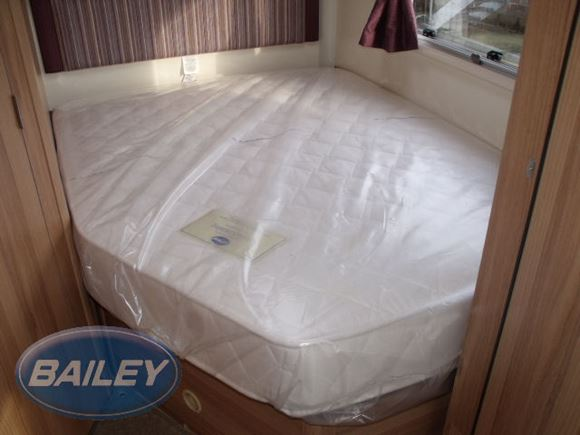 Deluxe Fixed Bed Mattress 1770x1335x150mm product image