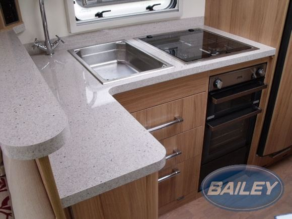 Retreat Willow Kitchen Top and Splashback (cream) product image