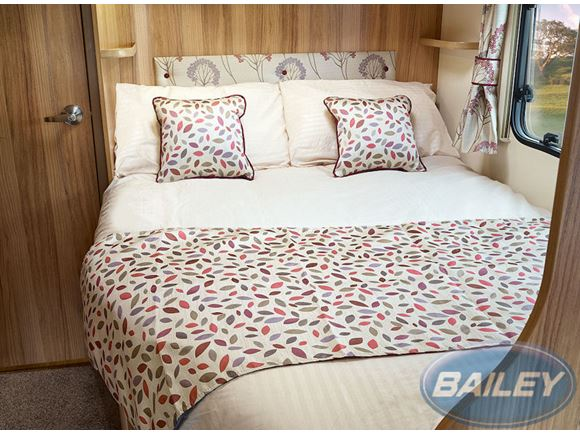 Bedding Set Pursuit Fixed Bed 430/4 530/4 in Amaro product image